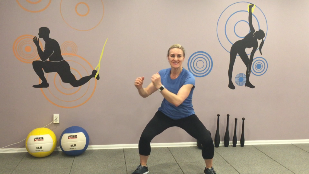 5Squat and side twist from side to side 2