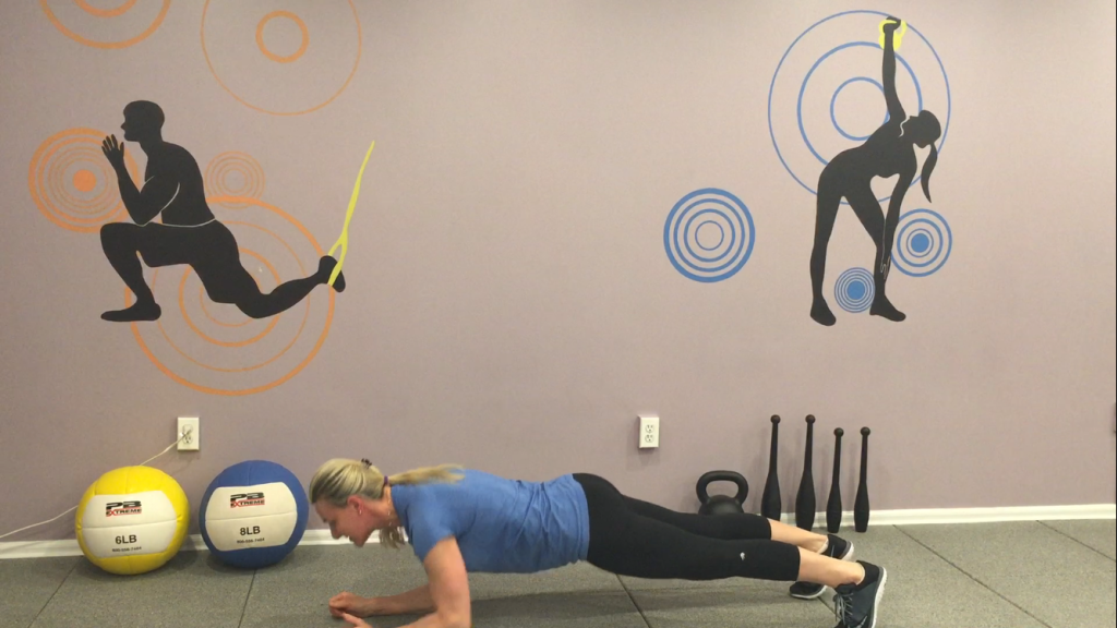7Plank with alternate arms and forearms 4