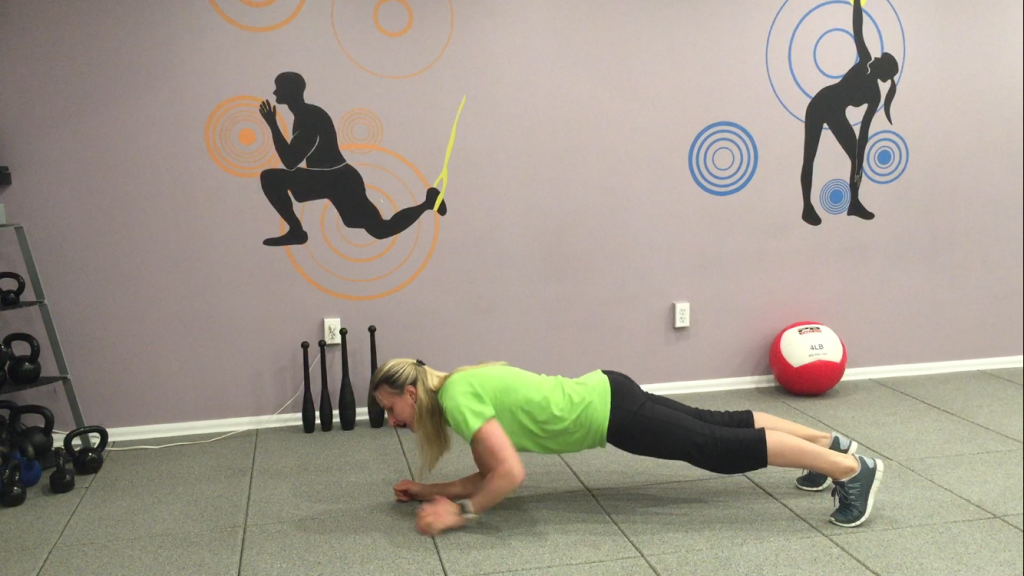 3. Plank with Alternate Forearms and Palms